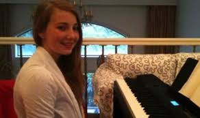 Mirror Mirror On The Wall Rap Song Elle Holmes Song Recorded By Talented 15 Before She Killed