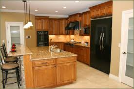 Kitchen Oak Cabinets by Kitchen Oak Kitchen Cabinets With Under Cabinet Lighting And