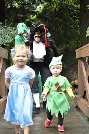 Halloween Costumes For Families by Peter Pan Family Costume With Erica Bean Photography Fabulistas