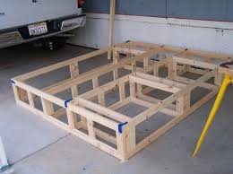Build Diy Platform Bed by Best 25 Queen Bed Plans Ideas On Pinterest Diy Queen Bed Frame