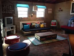 teenager garage hangout hangout teenager upcycle diy pallet