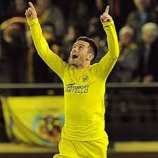 Giuseppe Rossi celebrando un gol con el Villareal