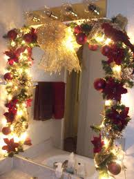Redecorating Bathroom Ideas by Best 25 Christmas Bathroom Ideas On Pinterest Christmas