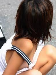 JS小学生高学年  乳首チラ|