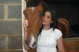 %name شاهد صور حورية فرغلي مع الحصان التى اثارت تعليقات ساخرة علي الفيسبوك