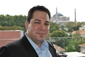Naopak Maďarsku a Ukrajině bude lepší se i kvůli problémům v bankovním sektoru vyhnout, říká investiční stratég Hakan Aksoy, který sleduje střední a ... - 67-908-hakan-aksoy