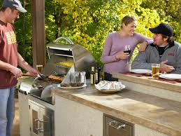 10 things you must know before planning an outdoor kitchen patio