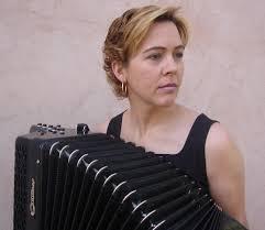 Ayer miércoles 30 de noviembre pudimos escuchar una entrevista a Raquel Ruiz, profesora del Conservatorio Profesional de Música de Segovia en Radio Nacional ... - Raquel