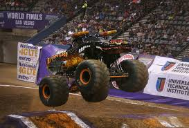 monster truck show tucson photos monster jam entertainment tucson com