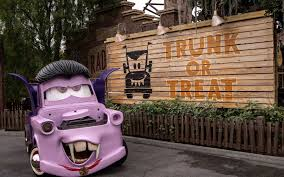 the disneyland halloween transformation has all kinds of new