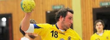 Nicht aufzuhalten: HSG-Akteur Sebastian Swoboda überrannte das Topteam aus Menden. Die HSG Unna siegte mit 34:22. Nach dem 16. Spieltag hat die SG Massen ...