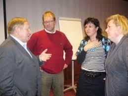 """De jonge antwoordde: """" als dit een club was dan ging ik eraf! """" Onderwysfenomeen Alex van Emst ( links ) met kollega\u0026#39;s an ut woard. - 20%20januari%20048"""