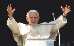 Pope Benedict greets the crowd