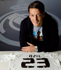 Fake Agent  Almost Made Ozil Sign For Man UTD