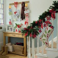Christmas Home Decorations Pictures Decorate The Stairs For Christmas U2013 30 Beautiful Ideas