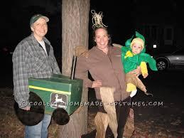 cool family costume celebrates iowa corn