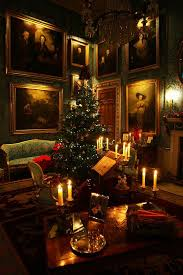 Homes With Christmas Decorations by Best 25 Victorian Christmas Ideas On Pinterest Victorian