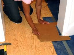 Hardwood And Laminate Flooring How To Install A Laminate Floating Floor How Tos Diy