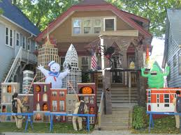 halloween yard decorations diy halloween house decorations thraam com