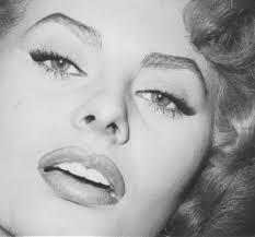 sifat seseorang dari bentuk alis Sophia Loren
