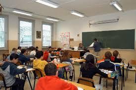 scuola media 145 Scuola, accorciate le vacanze estive, da settembre probabili novità.