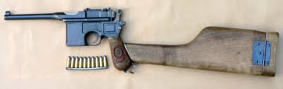 Liste des répliques - Partie II, les pistolets-mitrailleurs [Achevée] Mauser_C96_M1916_Red_9_7