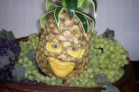 http://t1.gstatic.com/images?q=tbn:J2URToi8smgN_M:http://www.tableheads.com/Pineapple_Head_7.jpg