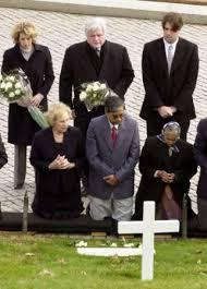 Ethel Kennedy (kneeling, L),