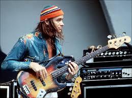 Gato VS Fender Jazz Bass Jacoenlarge