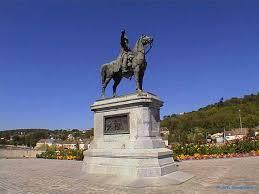 http://t1.gstatic.com/images?q=tbn:LPzN3-1QnPyRjM:http://napoleon-monuments.eu/Napoleon1er/images/77MontereauNapoleon08.jpg