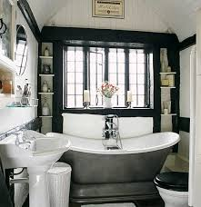 Modern Bathroom Design With Black and White Color