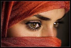 هل تعلم لماذا جعل الله ماء الأذن مرا والعين مالحا والفم عذبا 1216682765YUVp1gw