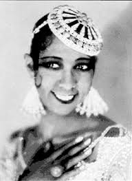 Josephine Baker wearing Art