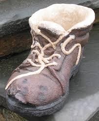 Sepatu Si Bapak Tua