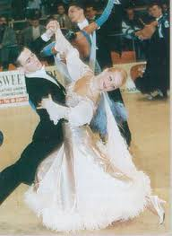http://t1.gstatic.com/images?q=tbn:dl_RMBCWjlI4qM:http://danse.passion.free.fr/images/danses/valse2.jpg