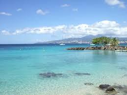 question pour les profs expat', dans les DOM-TOM et autres destinations sous mandat français Martinique_baie_de_fort_de_france