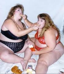 Funnyes V5kju2x-fat-girls-and-fries