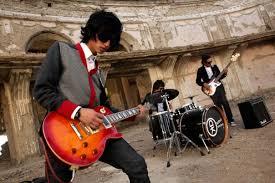 Ilustrace k článku: Taliban netaliban, Kábulem duní hudba první afghánské rockové kapely (idnes)
