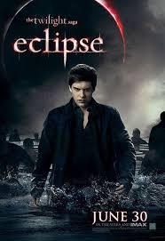 Апартамент на сестрите Терънс Xavier-samuel-newborn-vampire-army-eclipse-poster