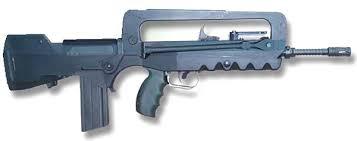 Liste des répliques - Partie III, les fusils d'assaut [En cours] Famas_12