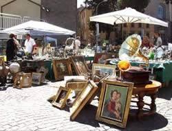 mercatini Predazzo, ritorna il mercatino delle pulci con 93 bancarelle