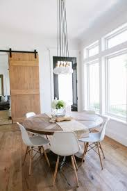 Dining Room Table Decorating Ideas Pictures by Best 25 Round Dining Room Tables Ideas On Pinterest Round