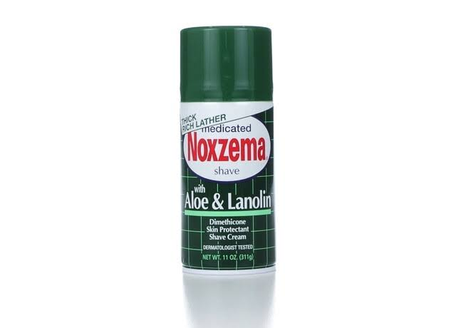 Noxzema Shaving Medicated Shave With Aloe and Lanolin - 311g