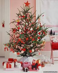 Pine Cone Christmas Trees For Sale by 27 Creative Christmas Tree Decorating Ideas Martha Stewart