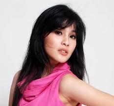 Foto Seksi Cantik Sandra Dewi