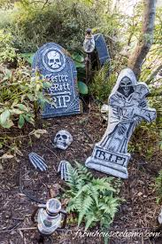 Halloween Cemetery Fence by How To Create A Spooky Halloween Graveyard