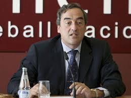Sindicatos y políticos, contra el despido de funcionarios públicos propuesto por la CEOE