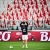 El curioso gesto de Cristiano Ronaldo ante el estadio desierto por el ...