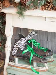 Driftwood Christmas Trees For Sale by 16 Rustic Garden And Farm Style Holiday Front Porch Decor Ideas