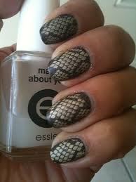 Snake print στα νύχια